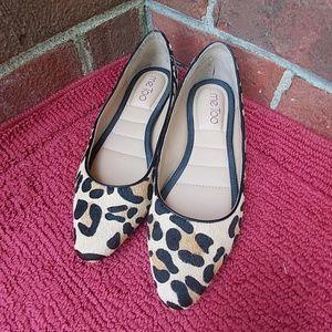 Me Too Leopard Flat Size 6